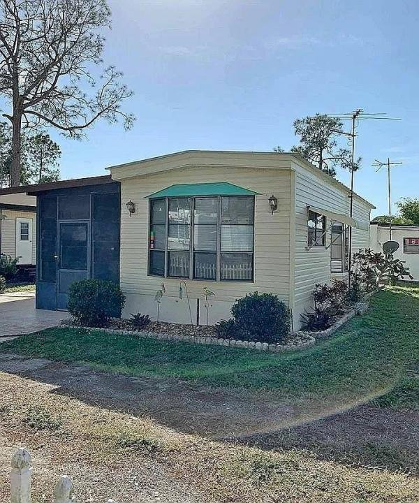 1985  Mobile Home For Rent
