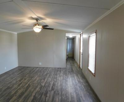 Mobile Home at 4660 Berrywood Dr W Lot Bw4660 Saginaw, MI 48603