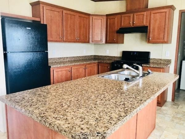 2014 Dutch Diamond ll Mobile Home For Rent