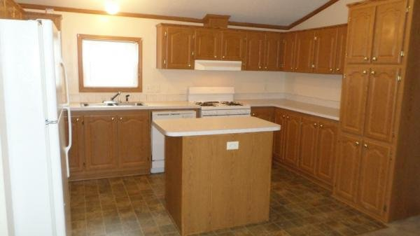 2006 Holly Park Mobile Home For Sale