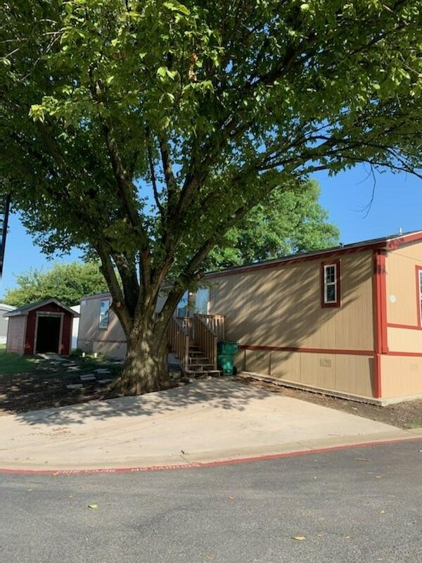 2017 Oak Creek Homes, LLC Mobile Home For Rent