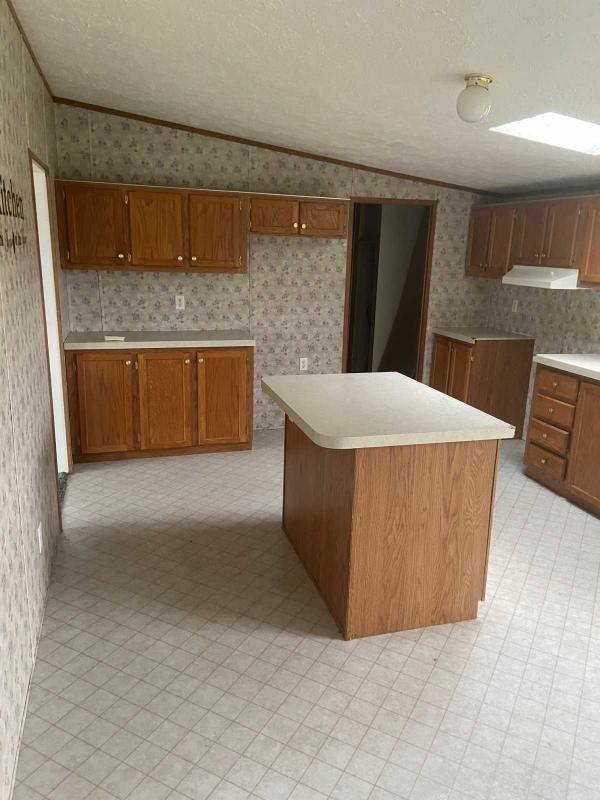 2000 Rednan Mobile Home For Rent