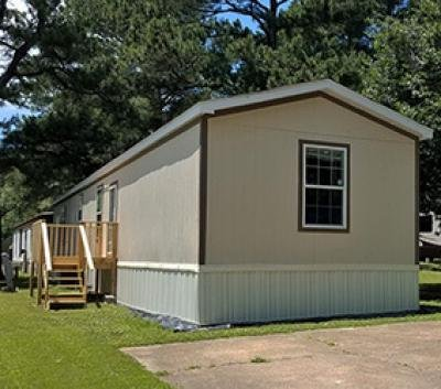 Mobile Home at 1243 Whitehall St Jackson, TN 38301