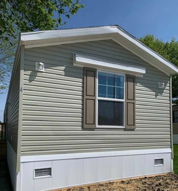 2020 Clayton Middlebury Mobile Home For Rent