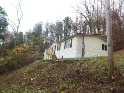 Mobile Home at 1918 Demory Rd Lafollette, TN 37766