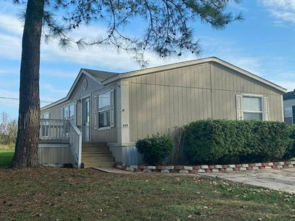2000 American Homestar Corp Mobile Home For Sale