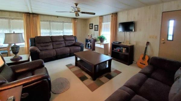 1983 TWIN Mobile Home For Sale