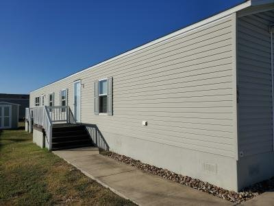 Mobile Home at 398 Bridlewood Dr San Marcos, TX 78666