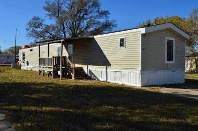 Mobile Home at 130 S Greenwich Rd Lot 306 Wichita, KS 67207