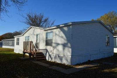 Mobile Home at 130 S Greenwich Rd Lot 322 Wichita, KS 67207