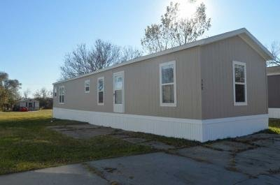 Mobile Home at 130 S Greenwich Rd Lot 348 Wichita, KS 67207