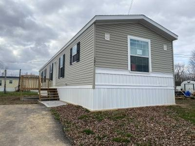 Mobile Home at 10610 East St Rt 762 #121 Lockbourne, OH 43137