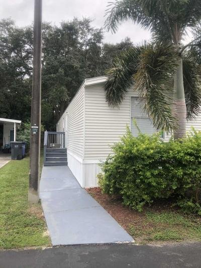 Mobile Home at 1307 Four Seasons Blvd Tampa, FL 33613