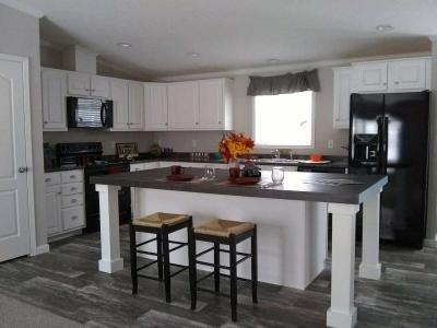 Kitchen w/ stainless app
