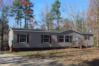 Mobile Home at 128 April Ln Hohenwald, TN 38462