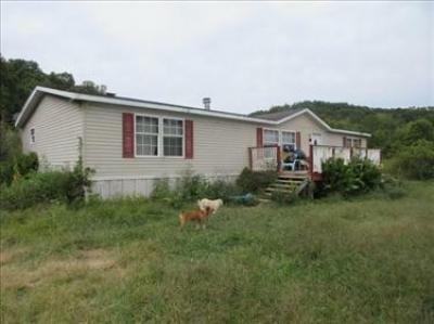 Mobile Home at 2022 Old Harriman Hw Oliver Springs, TN 37840