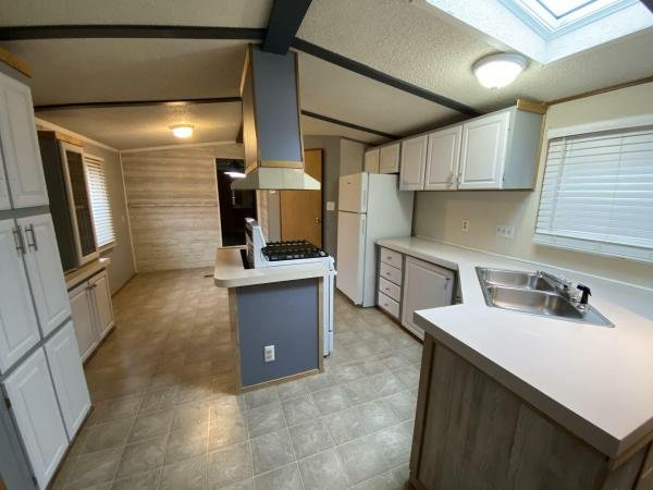 1989 AMBER RIDGE Mobile Home For Rent