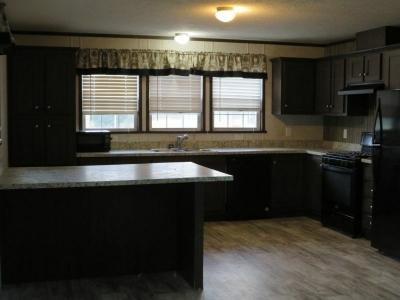 Mobile Home at 1121 Oakbrook East Jackson, MI 49201