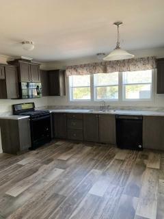 Huge front kitchen