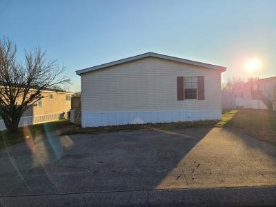 Mobile Home at 48 Lynnwood Circle Clarksville, TN 37040