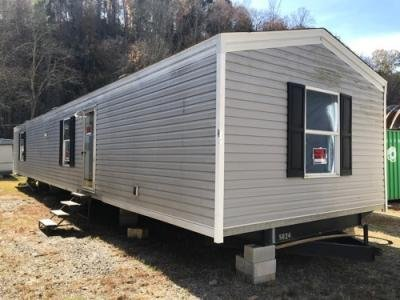 Mobile Home at 2772 Asheville Hwy Canton, NC 28716