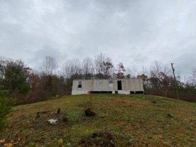 Mobile Home at 384 Shields Branch Rd Tellico Plains, TN 37385