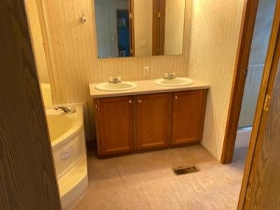 Mobile Home at 411 Kichen Ave Huntsville, MO 65259