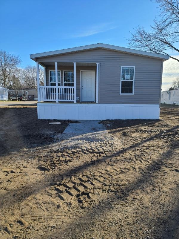 2021 Champion - Worthington Mobile Home For Rent