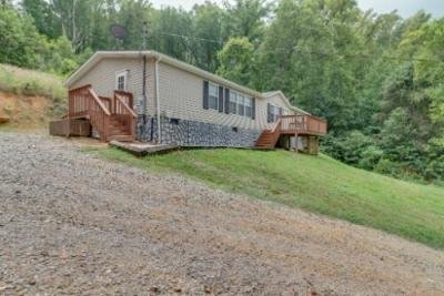 Mobile Home at 7880 Hickory Nut Way Maryville, TN 37801