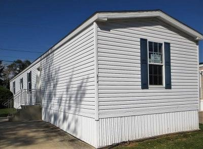 Mobile Home at 535 W Gypsy Ln Bowling Green, OH 43402