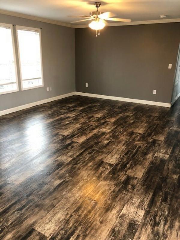 2017 Oak Creek Homes, LP Mobile Home For Sale