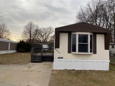 Mobile Home at 3309 Maplewood Muskegon, MI 49444