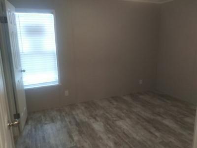 Mobile Home at 11911 N Illinois Avenue Kansas City, MO 64156