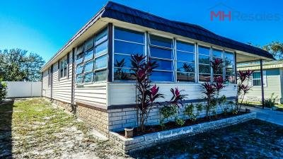 Mobile Home at 7100 Ulmerton Rd Lot 893 Largo, FL 33771