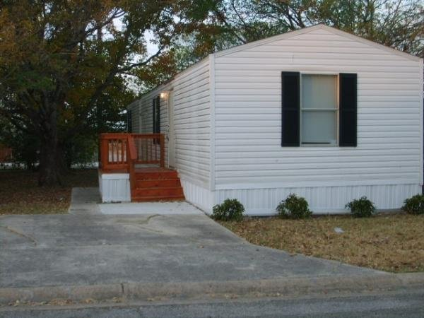 2005 CAVALIER HOMES Mobile Home For Sale