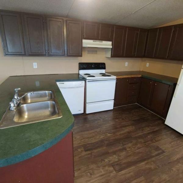 2000 Oakwood Mobile Home For Sale
