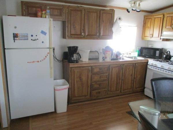 1990 BAYVIEW Mobile Home For Sale