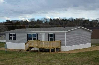 Mobile Home at 626 Cuzin Raye Ln. Clinton, TN 37716
