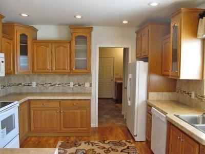 Mobile Home at 10 Redwood Court Mays Landing, NJ 08330