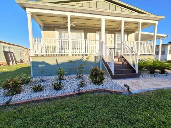 Photo 1 of 2 of home located at 8825 Edgewood Blvd Tampa, FL 33635