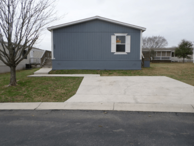 Mobile Home at 7460 Kitty Hawk Rd Site 245 Converse, TX 78109
