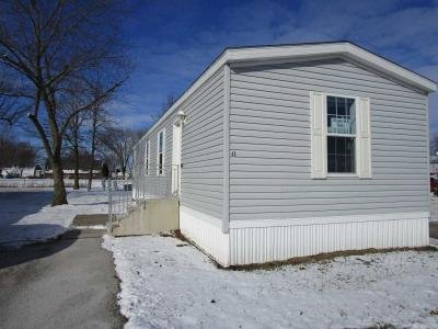 Mobile Home at 315 Parkview Dr Bowling Green, OH 43402