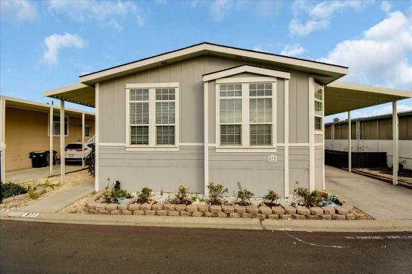 2005 Silvercrest Mobile Home For Sale