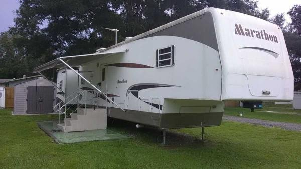 2006 Park Model/ 5 TH WHEEL Mobile Home For Sale
