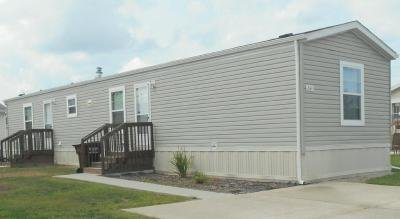 Mobile Home at 264 Grand River Dr Adrian, MI 49221