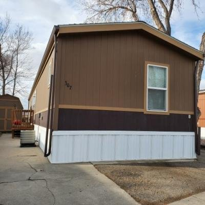 Mobile Home at 307 Barnard Ct. Longmont, CO 80501