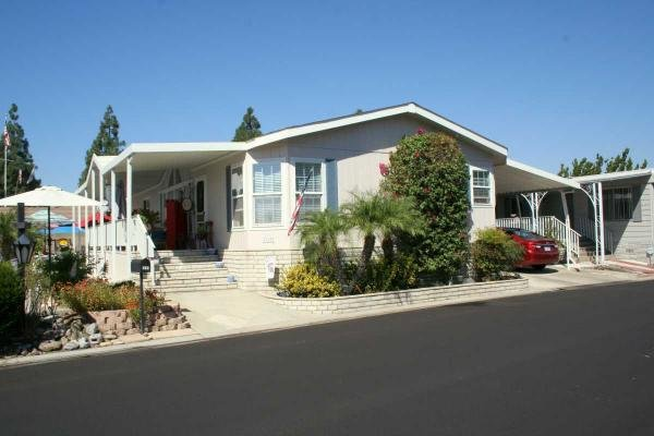 2004 Hallmark-Southwest Corp Mobile Home For Sale