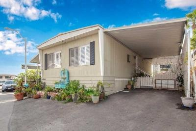 Mobile Home at 6274 Emerald Cove Drive # 272 Long Beach, CA 90803