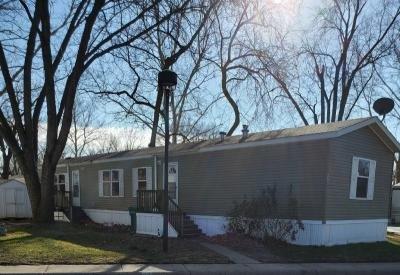 Mobile Home at 236 Delaware Edwardsville, KS 66113