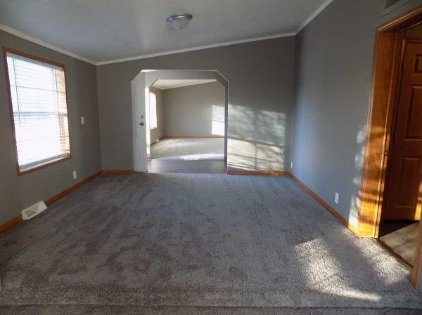2000 Crystal Valley Mobile Home For Sale